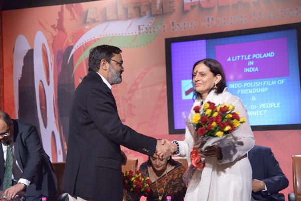 Director General Doordarshan Mr Tripurari Sharan welcomes Anu Radha