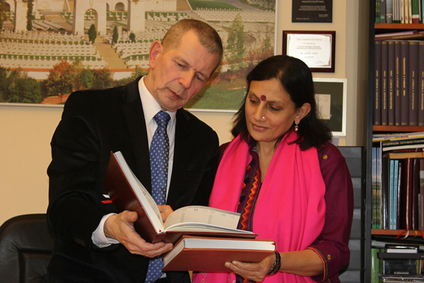 Dr. Andrej Kunert shares his knowledge with Anu Radha